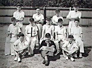 Junior Cricket Team 1952
